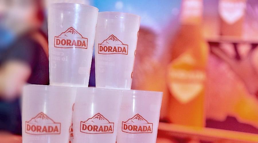 Dorada apuesta por el uso de vasos reutilizables en Los Indianos