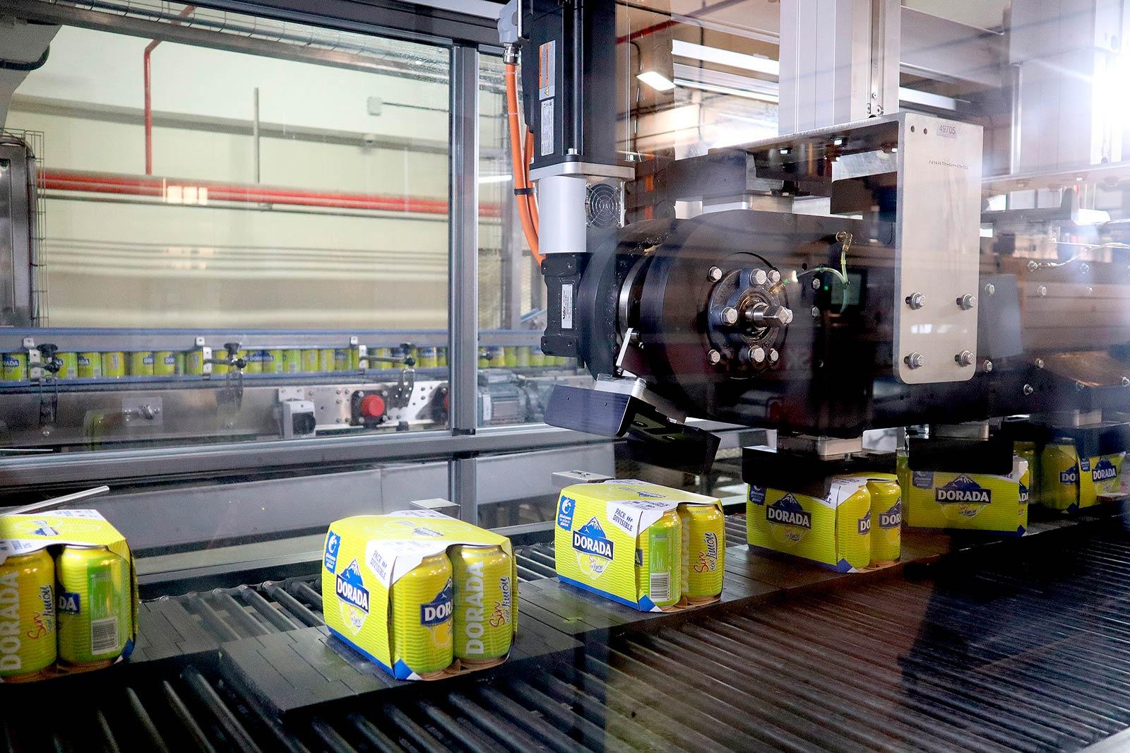 Compañía Cervecera de Canarias elimina las anillas de plástico de sus latas